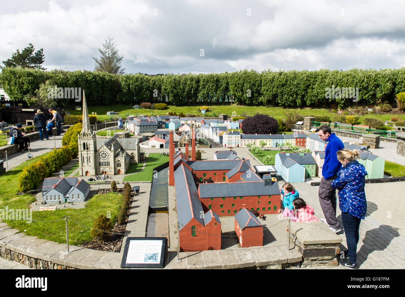 visitors-walk-round-the-clonakilty-section-of-the-clonakilty-model-G187FM.jpg
