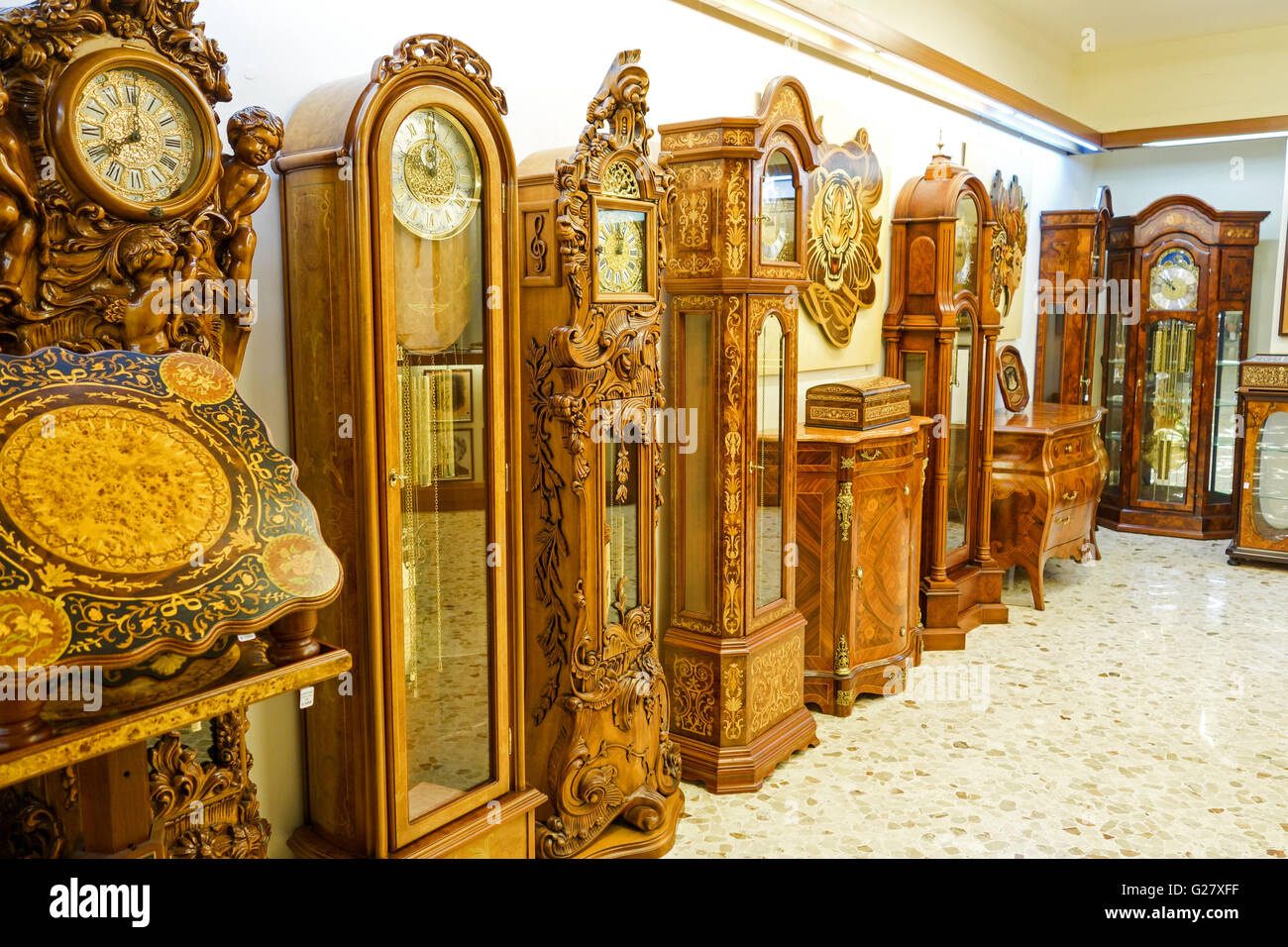 Charmant Ornate Wooden Inlaid Furniture Tables Clocks Etc For Sale In A Shop In  Sorrento Italy Europe