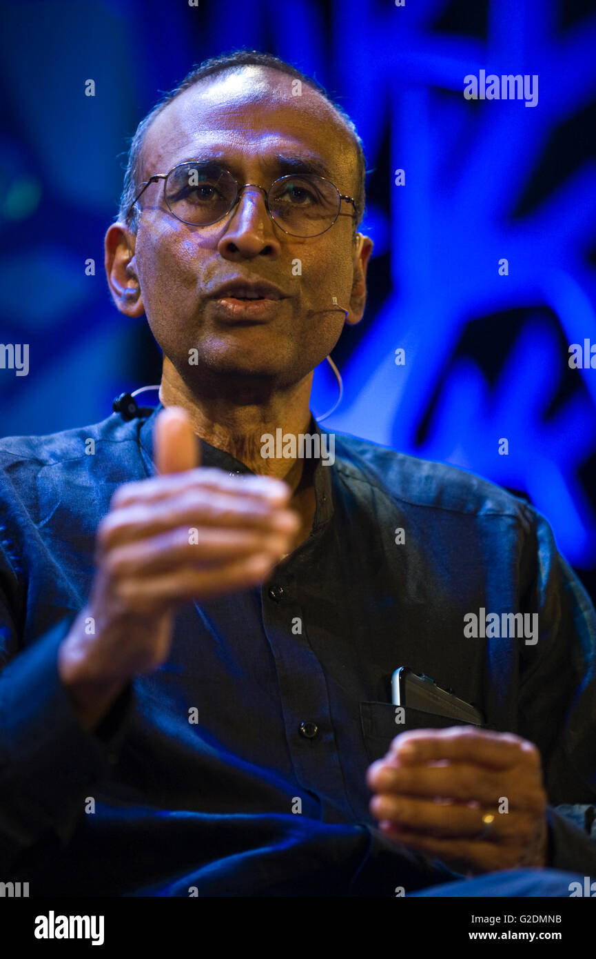 Venki Ramakrishnan winner of the 2009 Nobel Prize for Chemistry speaking on stage at Hay Festival 2016 - Stock Image