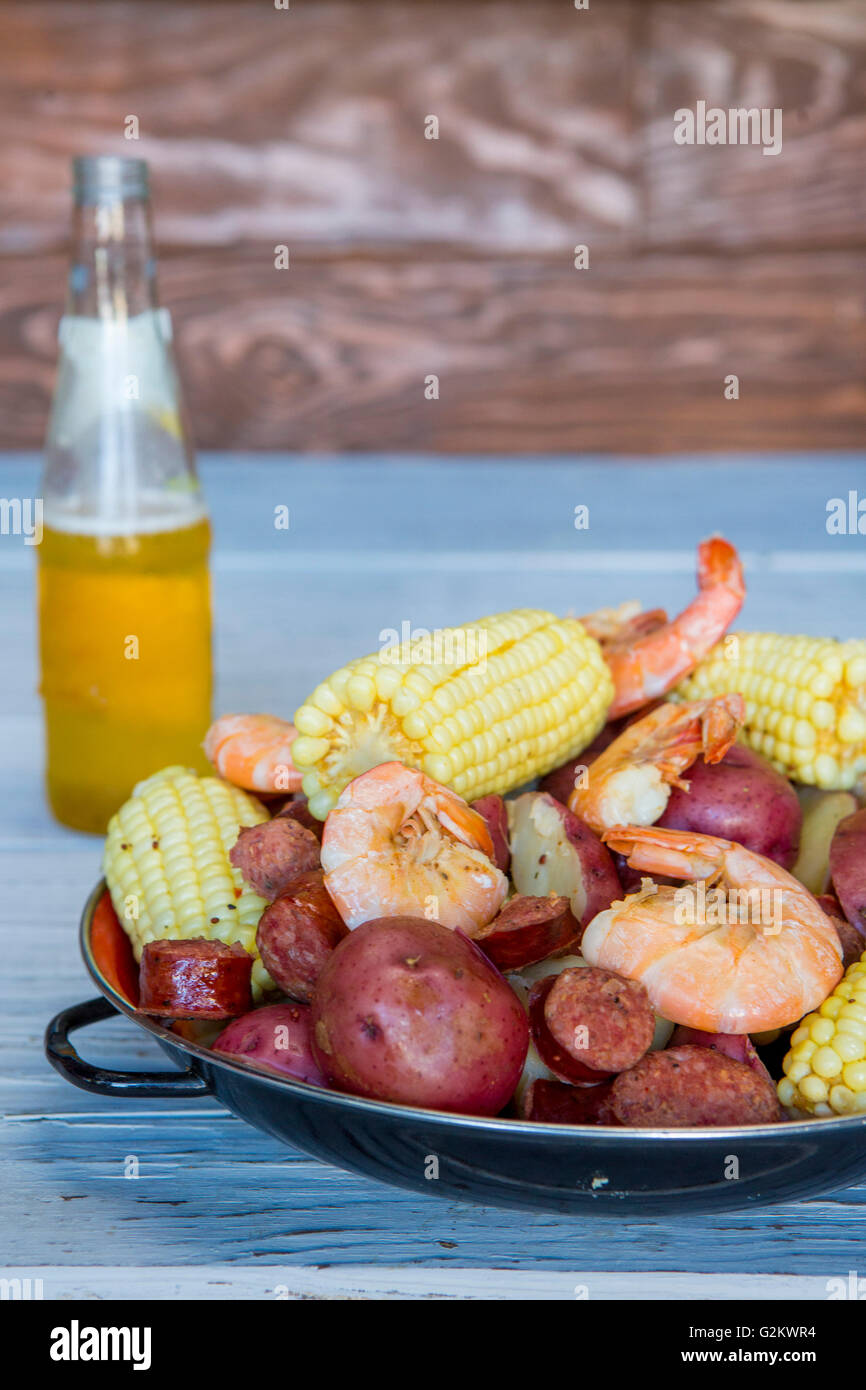 Low Country Boil and Beer - Stock Image
