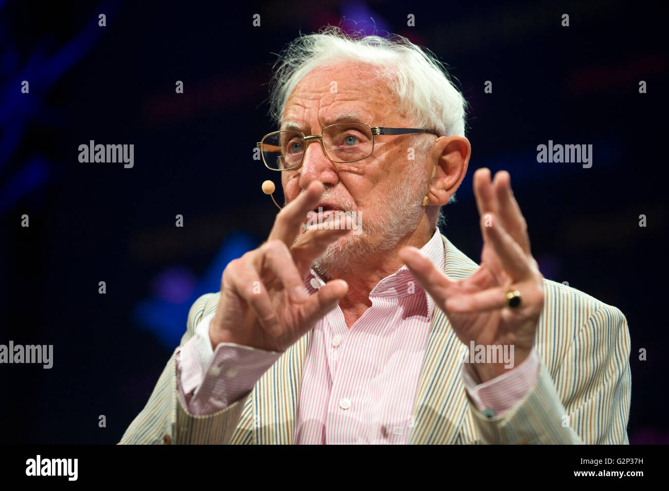 Shakespearian scholar Stanley Wells speaking on stage at Hay Festival 2016 - Stock Image