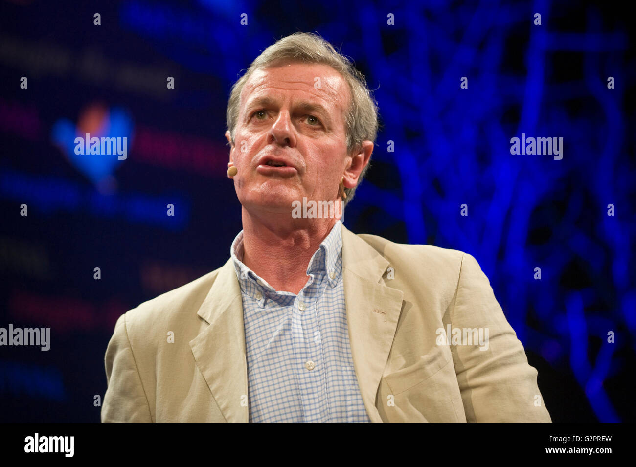 Hay-on-Wye, Wales, UK. 02nd June, 2016. General Sir Richard Shirreff former Deputy Head of NATO speaking on stage - Stock Image