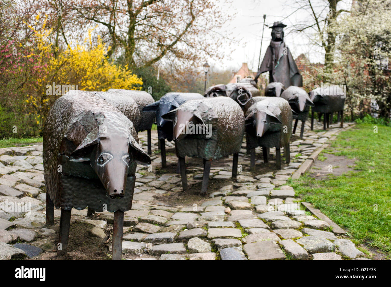 'Schapenkoppenmonument', a group statue of a shepherd and his sheep by Robert Schoofs (aka BERTRO) in the - Stock Image