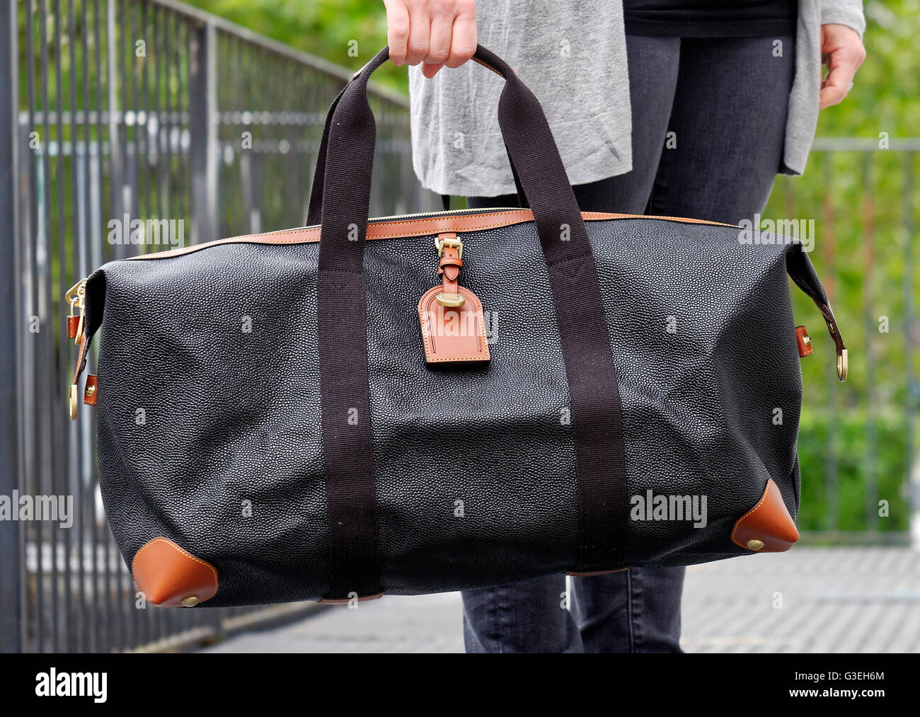 ... get mulberrymedium clipper holdall mulberry mens clipper holdall bag  stock image 73973 1b4cc ... 79df33c13cfc5