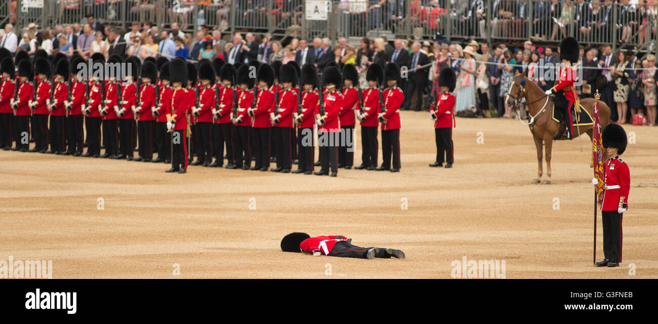 london-uk-11th-june-2016-trooping-the-colour-horse-guards-parade-a-G3FNEB.jpg