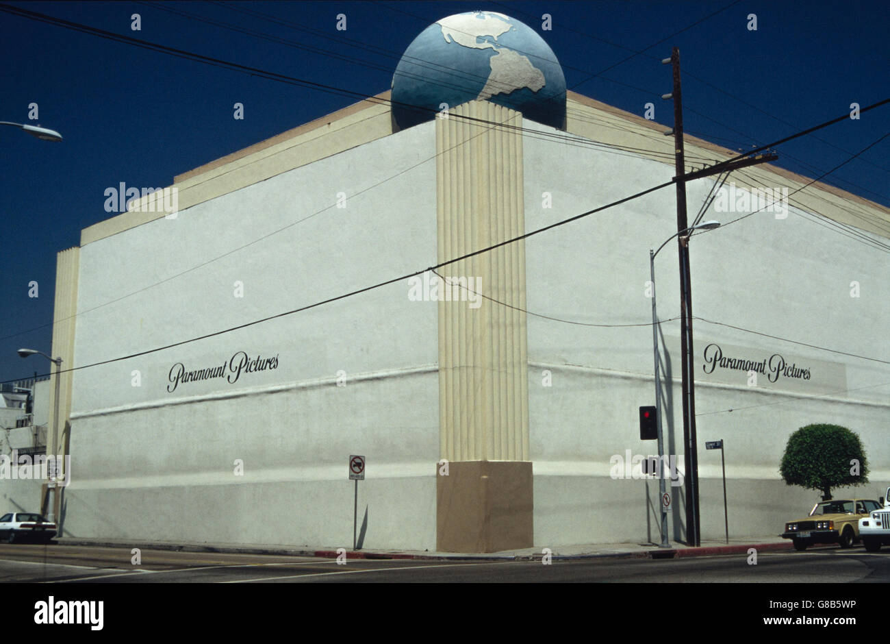Archive image of Paramount Pictures building, former RKO studios with RKO Globe, corner of Melrose & Gower Streets, Stock Photo