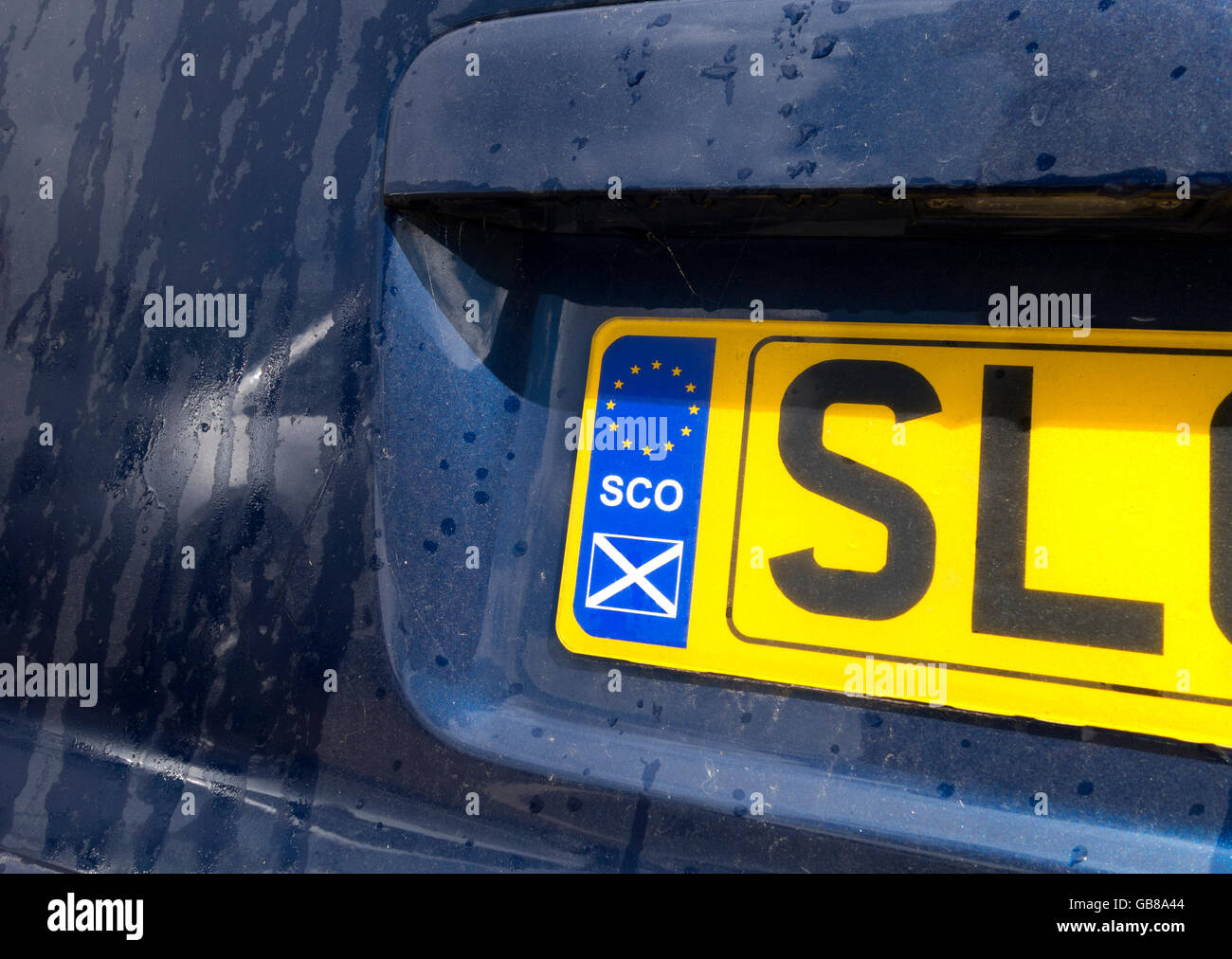 https://c7.alamy.com/comp/GB8A44/scottish-license-plate-or-number-plate-numberplate-with-scottish-eu-GB8A44.jpg