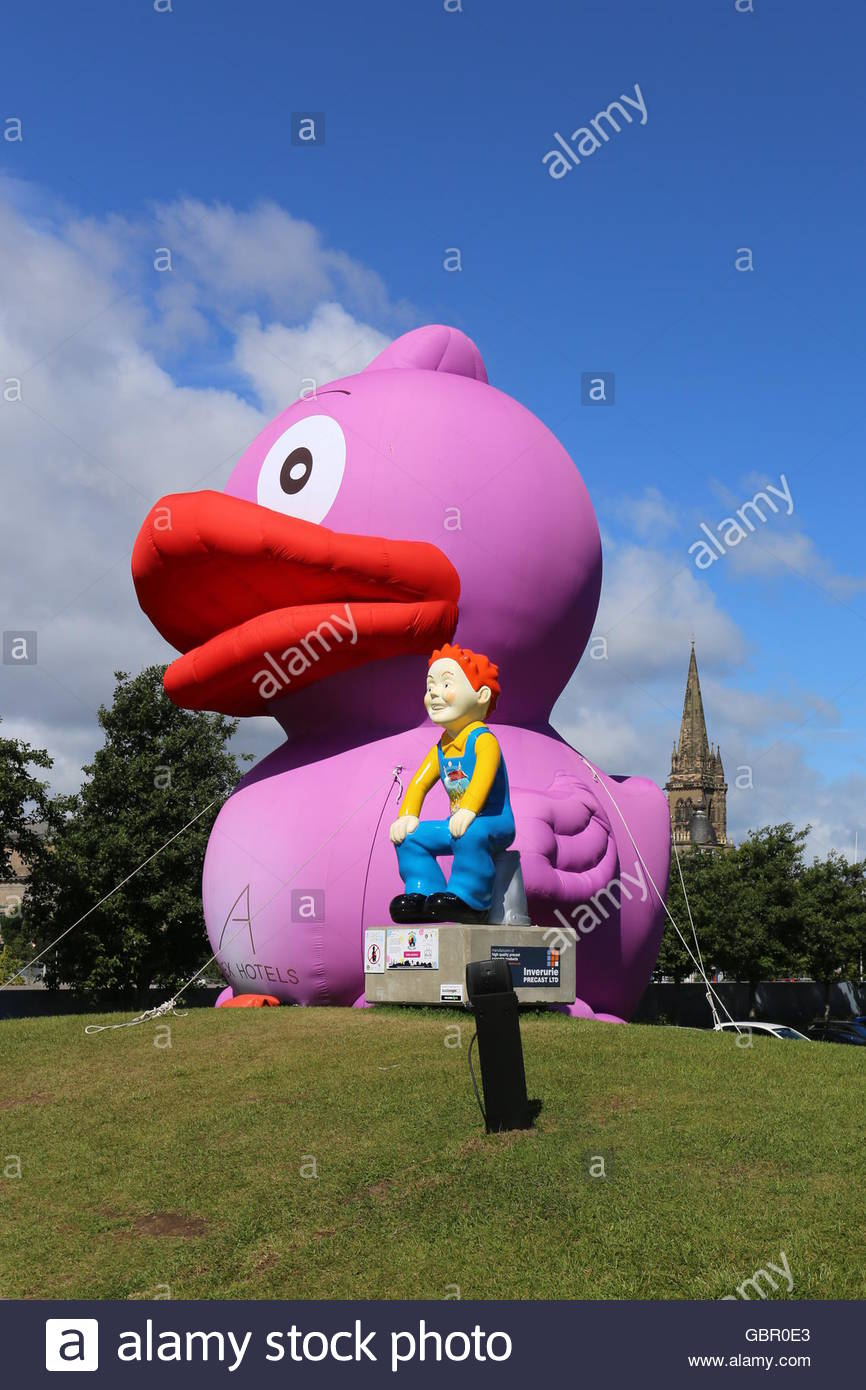 Giant Inflatable Duck Stock Photos Amp Giant Inflatable Duck