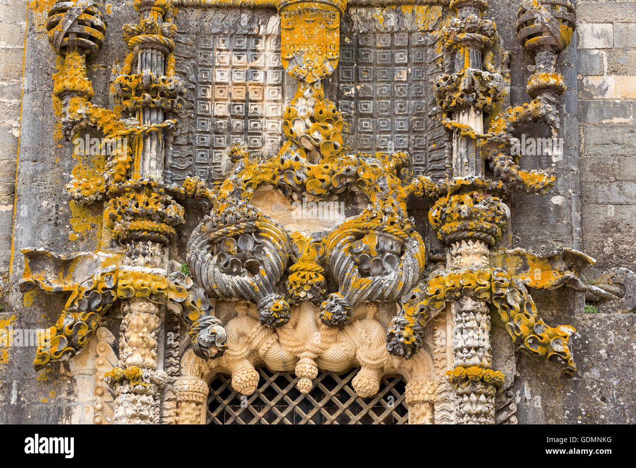 Manueline windows with seafaring motifs and the cruciate ligament Medal, fortress of Tomar, the castle of the Knights - Stock Image