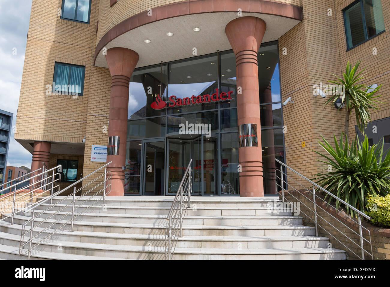 Entrance to Santander Consumer Finance building, Station Road, Redhill, Surrey, England, United Kingdom - Stock Image