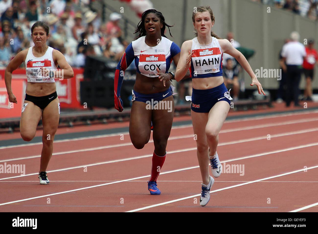 Sophie hahn gb winning the 100m women t38 2016 müller anniversary