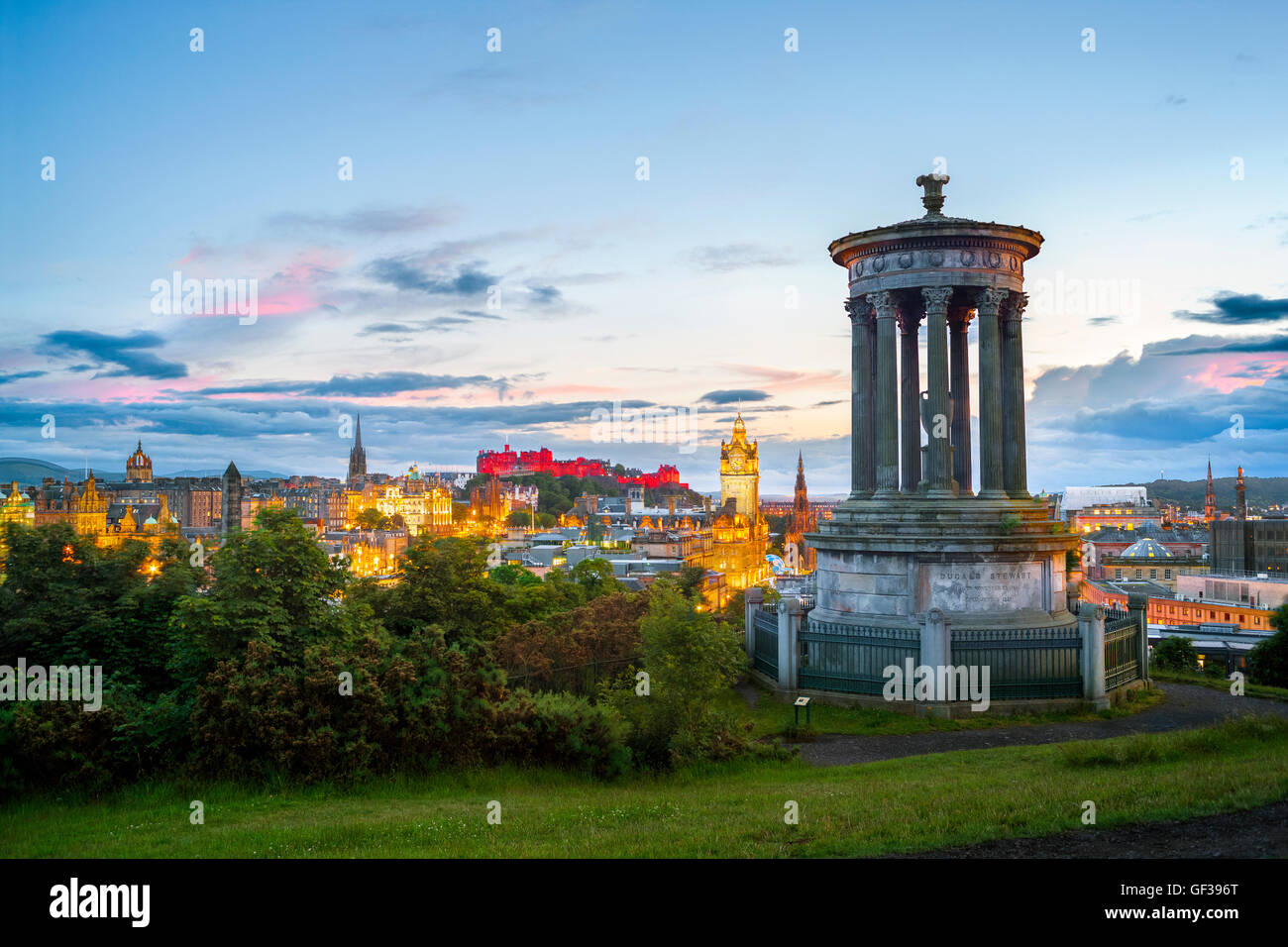 https://c7.alamy.com/comp/GF396T/edinburgh-skyline-from-canton-hill-with-edinburgh-castle-and-the-old-GF396T.jpg
