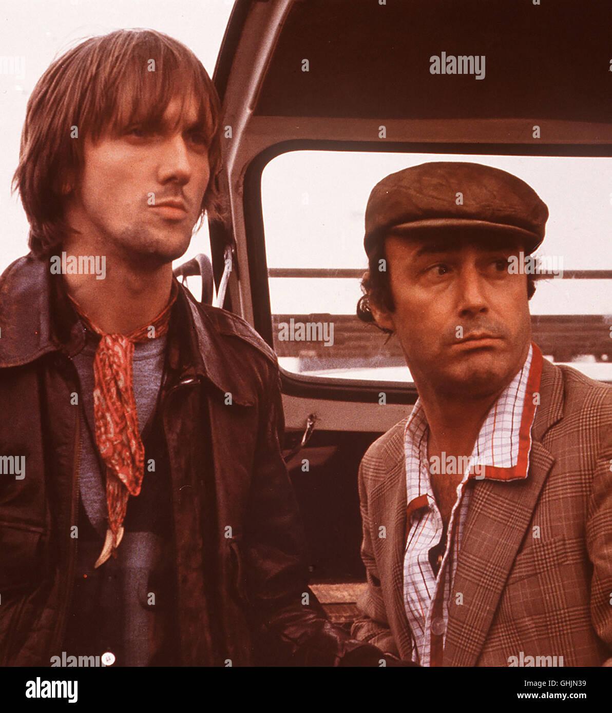 Theo (MARIUS MÜLLER- WESTERNHAGEN) und sein Kompagnon Enno (GUIDO GAGLIARDI) sind auf der Suche nach ihrem - Stock Image