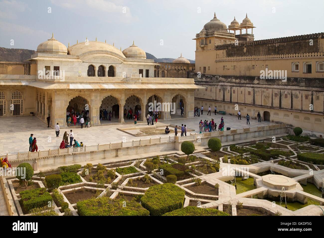 Gardens and Hall of Mirrors, Sheesh Mahal, Amber Fort, Jaipur Stock ...