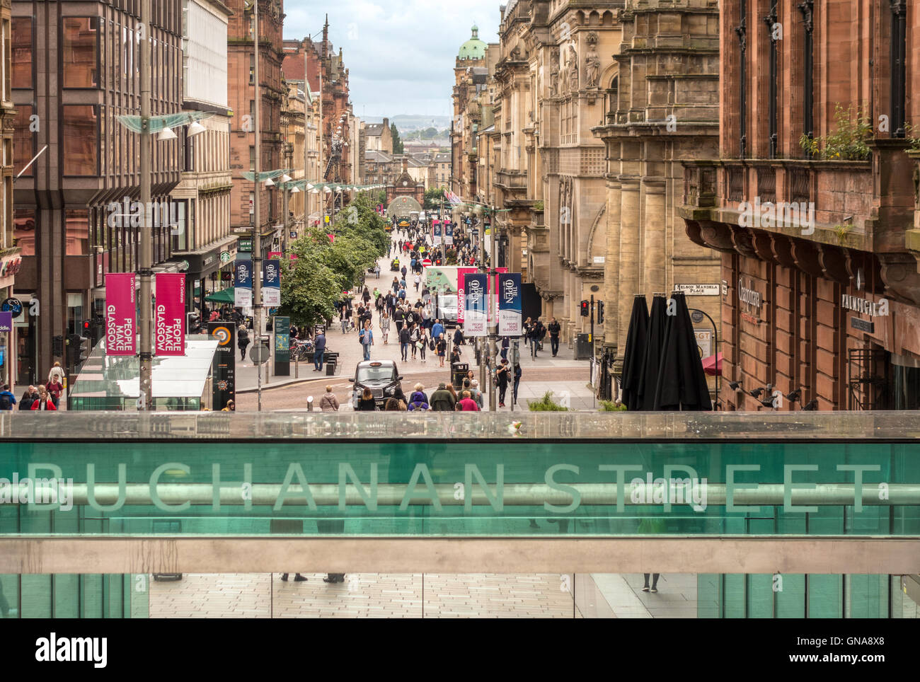 https://c7.alamy.com/comp/GNA8X8/glasgow-buchanan-street-a-popular-street-for-shopping-entrance-to-GNA8X8.jpg