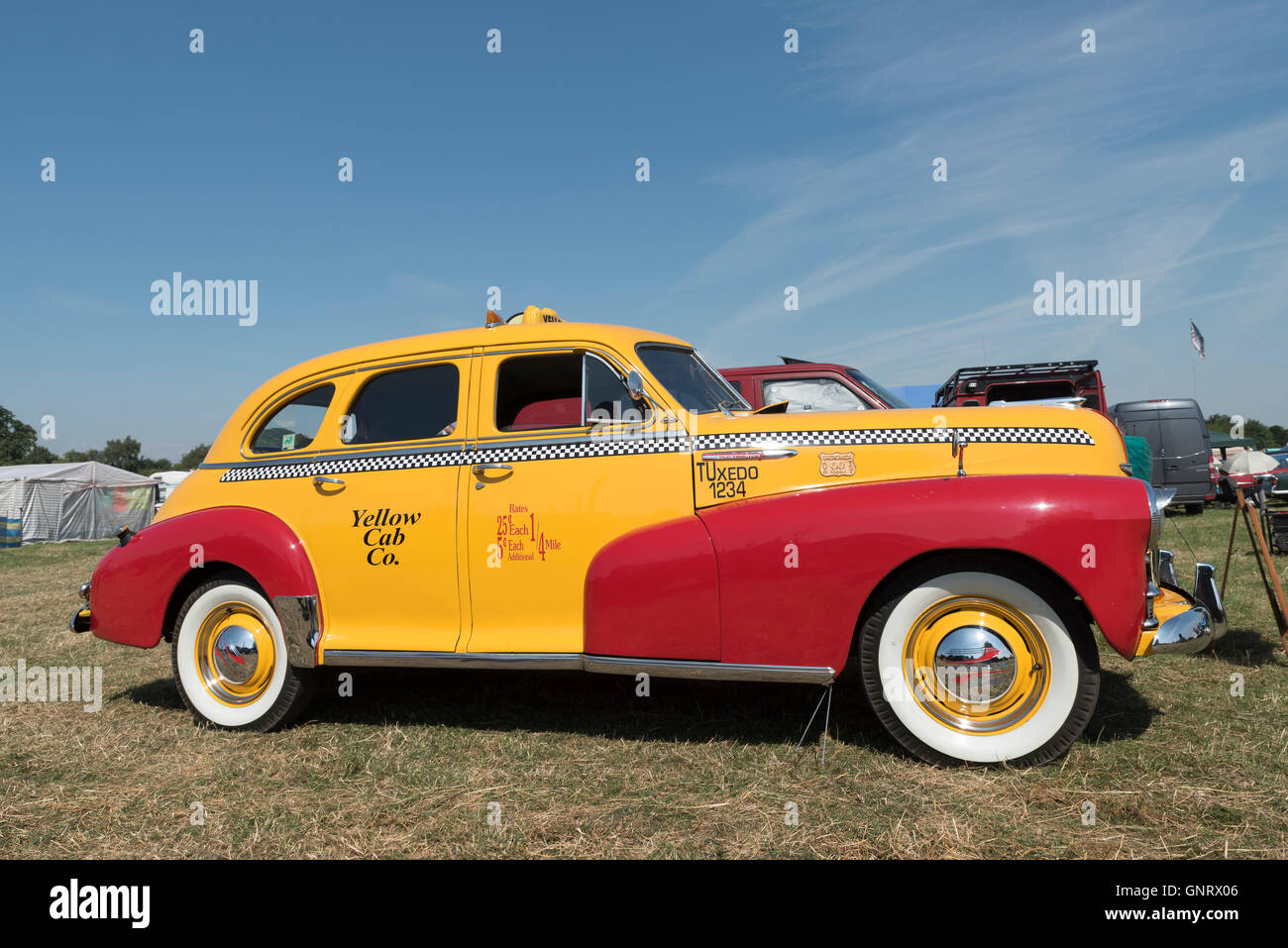 old-new-york-yellow-taxi-cab-at-steam-rally-and-country-fair-stow-GNRX06.jpg