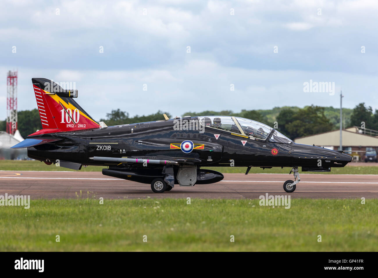 Royal Air Force Raf Bae Systems Hawk T2 Advanced Jet Trainer Zk018