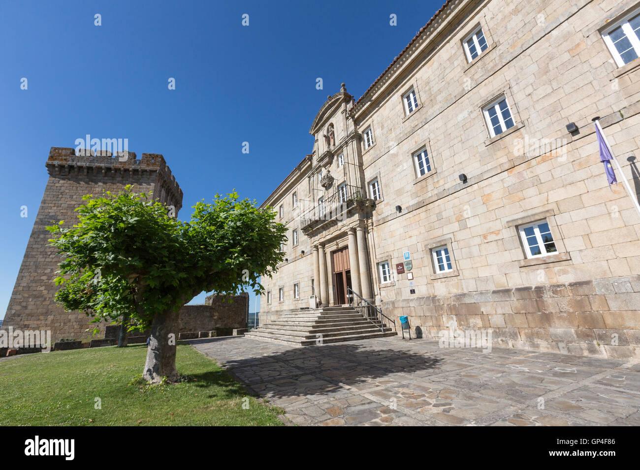 tower-and-facade-of-the-parador-de-monfo