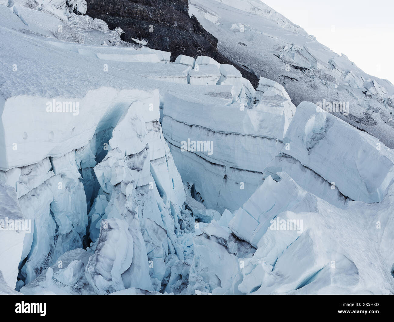 A glacier seen along the hike up Mt. Rainier - Stock Image
