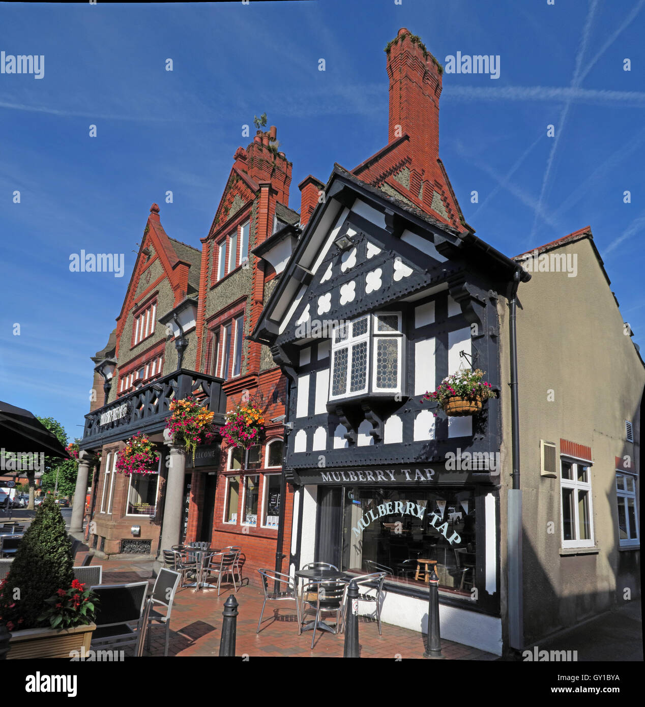 Building,wooden,tudor,architecture,Mulberry,Tap,pubs,bar,bars,south,Warrington,Public,house,Cheshire,England,UK,Victoria,Square,Sq,Mulberry Tap,Mulberry Tree,Stockton Heath,South Warrington,Victoria Square,Victoria Sq,GoTonySmith,@HotpixUK,Tony,Smith,UK,GB,Great,Britain,United,Kingdom,English,British,England,Buy Pictures of,Buy Images Of,Images of,Stock Images,Tony Smith,United Kingdom,Great Britain,British Isles