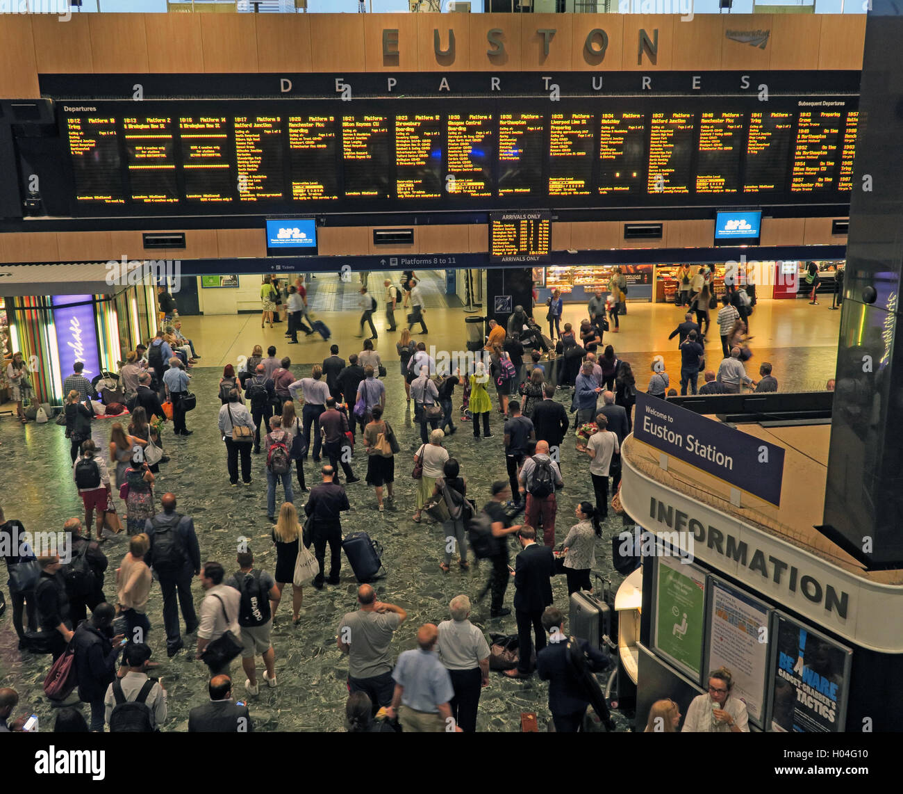 concourse,North,LDN,London,network,rail,BR,British,Rail,cost,costs,refurbishment,improved,improvement,poor,slow,expensive,infrastructure,tax,taxation,back,state,ownership,shareowner,shareowners,government,control,private,sector,owners,ownership,public,transport,British Rail,Britishrail,passenger,GoTonySmith,@HotpixUK,Tony,Smith,UK,GB,Great,Britain,United,Kingdom,English,British,England,busy,crowd,crowded,midland,LondonMidland,Overground,infrastructure,report,network,service,fragmentation,investment,subsidy,Buy Pictures of,Buy Images Of,Images of,Stock Images,Tony Smith,United Kingdom,Great Britain,British Isles,London Midland,rail infrastructure