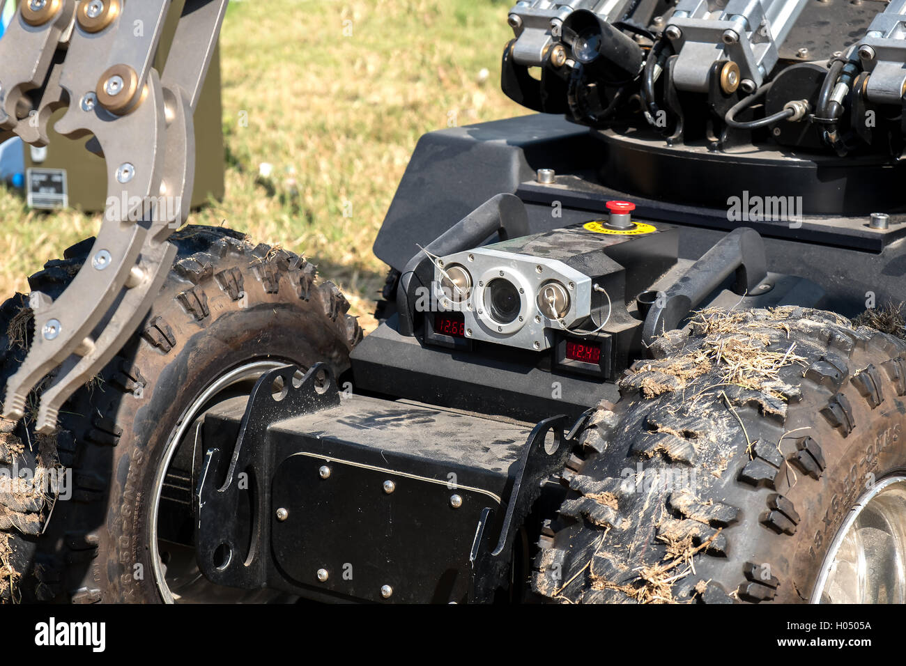 closeup camera bomb disposal robot unit defuse bomb - Stock Image