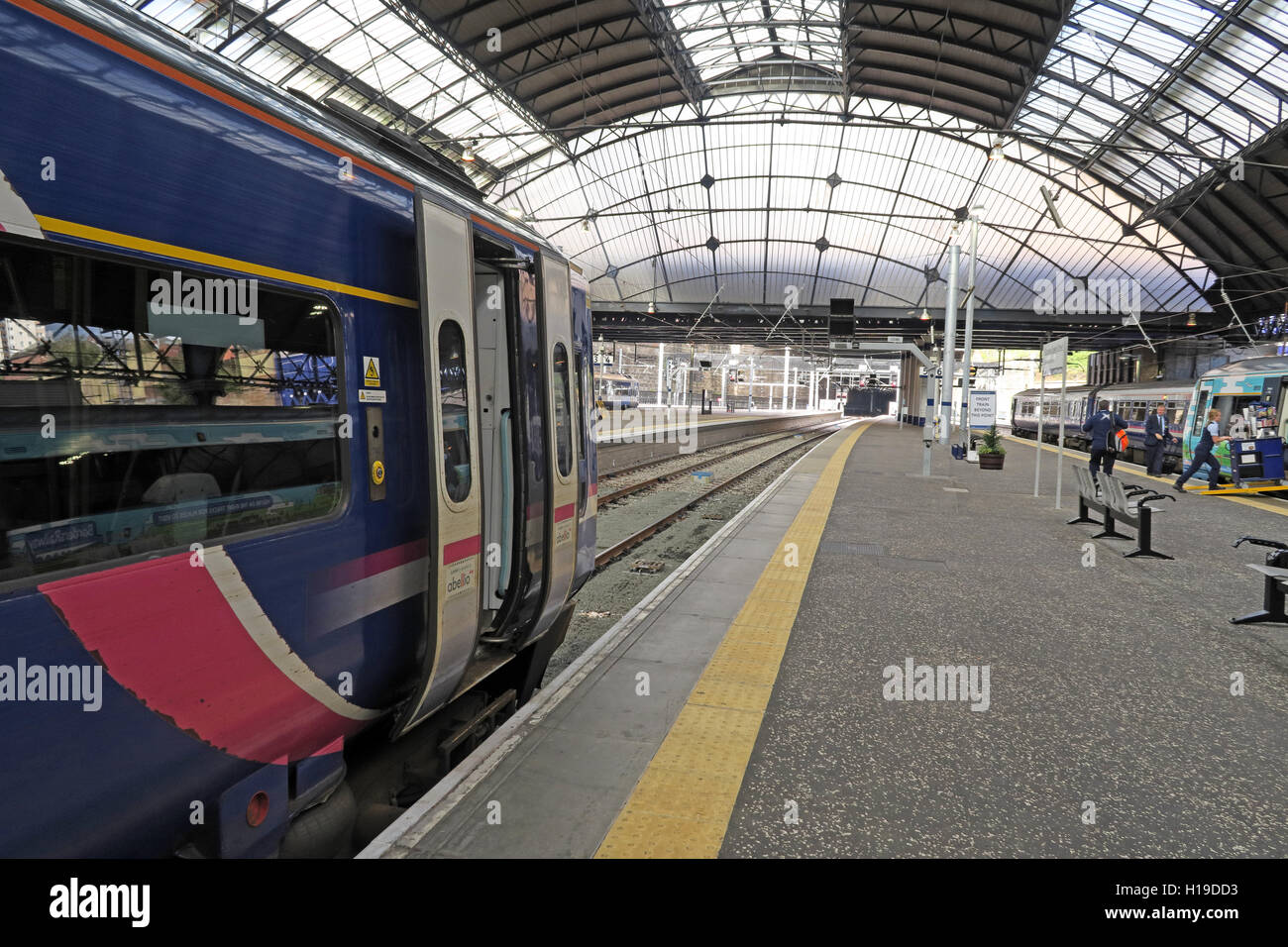 City,Centre,mainline,main,line,ScotRail,train,trains,roof,canopy,transport,transit,rail,terminus,central,greater,concourse,High,Level,platforms,diesel,multiple,units,DMU,Queen Street,Greater Glasgow,diesel multiple unit,GoTonySmith,@HotpixUK,Tony,Smith,UK,GB,Great,Britain,United,Kingdom,Scottish,British,Scotland,Buy Pictures of,Buy Images Of,Images of,Stock Images,Tony Smith,United Kingdom,Great Britain,British Isles