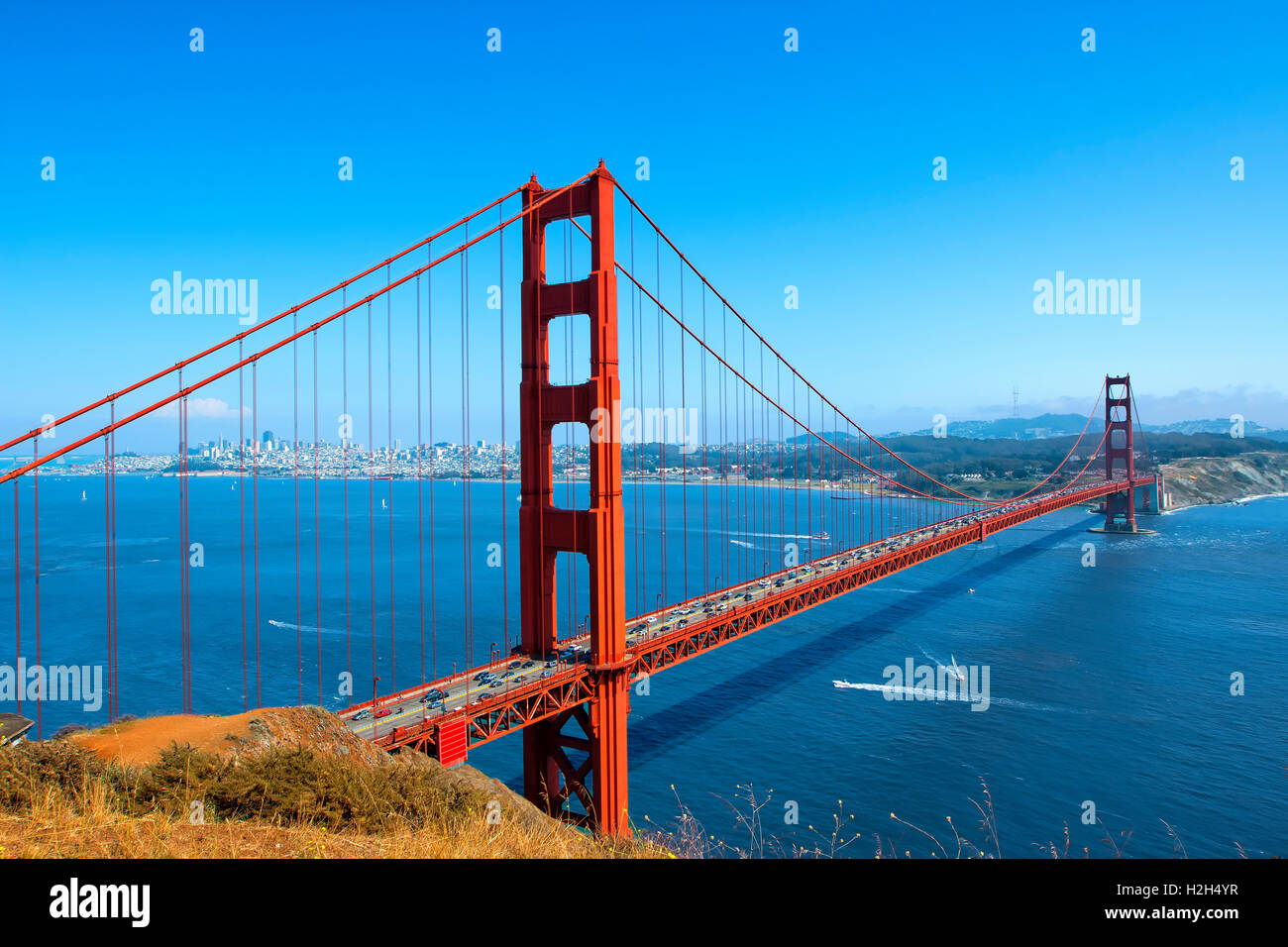 Golden gate Bridge and San Francisco Skyline - Stock Image