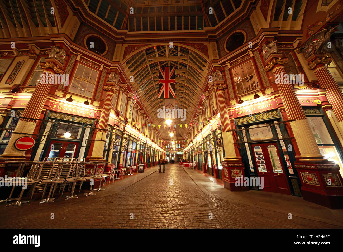 Evening,nightlife,dusk,covered,historic,pano,landmark,tourist,tourism,site,financial,district,area,bank,banking,pedestrian,passageway,passages,vendors,cheesemongers,butchers,florists,bar,pub,bars,pubs,ornate,roof,glass,cobbled,cobbles,attraction,Grade,II,Sir Horace Jones,Tourist Attraction,GoTonySmith,@HotpixUK,Tony,Smith,UK,GB,Great,Britain,United,Kingdom,English,British,England,color,colour,panorama,union,flag,jack,Buy Pictures of,Buy Images Of,Images of,Stock Images,Tony Smith,United Kingdom,Great Britain,British Isles,UnionJack,Union Jack
