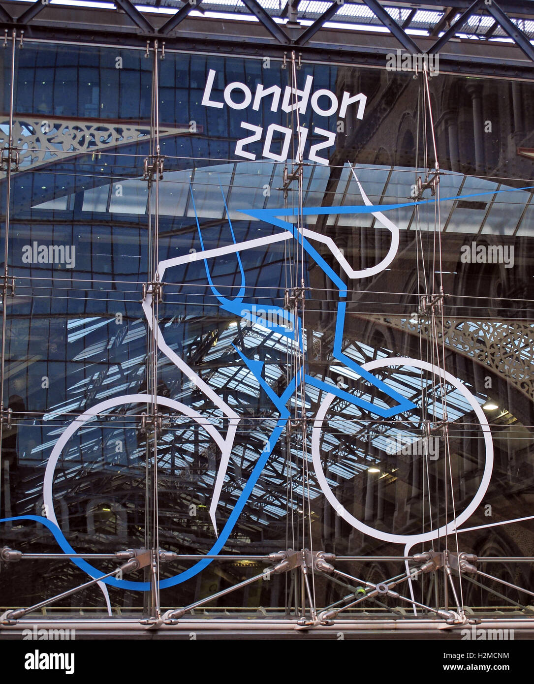 London2012,railway,rail,termini,cycle,team,blue,white,medal,gold,silver,bronze,promotion,Liverpool St Station,Liverpool Street Station,GoTonySmith,@HotpixUK,Tony,Smith,UK,GB,Great,Britain,United,Kingdom,English,British,England,Buy Pictures of,Buy Images Of,Images of,Stock Images,Tony Smith,United Kingdom,Great Britain,British Isles
