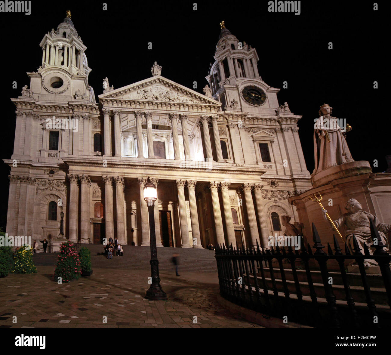 night,long,exposure,longexposure,Christianity,Religion,religious,building,great,fire,of,Christopher,Wren,wide,angle,wideangle,tourist,tourism,travel,view,pilgrimage,famous,heritage,historic,landmark,landmarks,building,citadel,capital,cities,city,St Pauls,City of London,St Pauls Cathedral,GoTonySmith,@HotpixUK,Tony,Smith,different,unique,famous,visitor,landmark,Great,Britain,UK,GB,GreatBritain,prayer,war,survivor,WWII,dome,skyline,iconic,city,scape,cityscape,icon,late,night,Buy Pictures of,Buy Images Of,Images of,Stock Images,Tony Smith,Photo of,Famous visitor landmark,Great Britain,War Survivor,Iconic London,Capital City