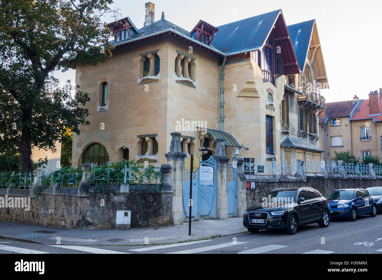 villa-majorelle-art-nouveau-house-1901-1902-by-henri-sauvage-rue-louis-H30MRX.jpg