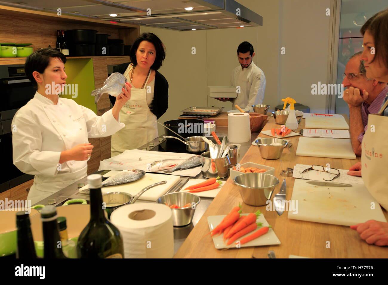 A Cooking Class In Ecole De Cuisine Alain Ducasse Alain Ducasse - Ecole de cuisine paris
