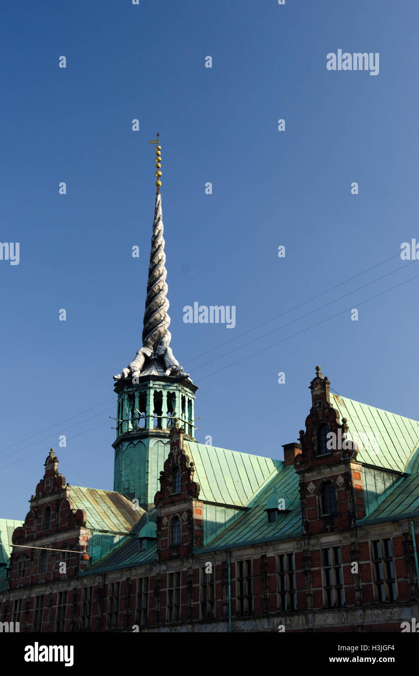borsen,old stock exchange building,4 intertwined dragon's tails - Stock Image
