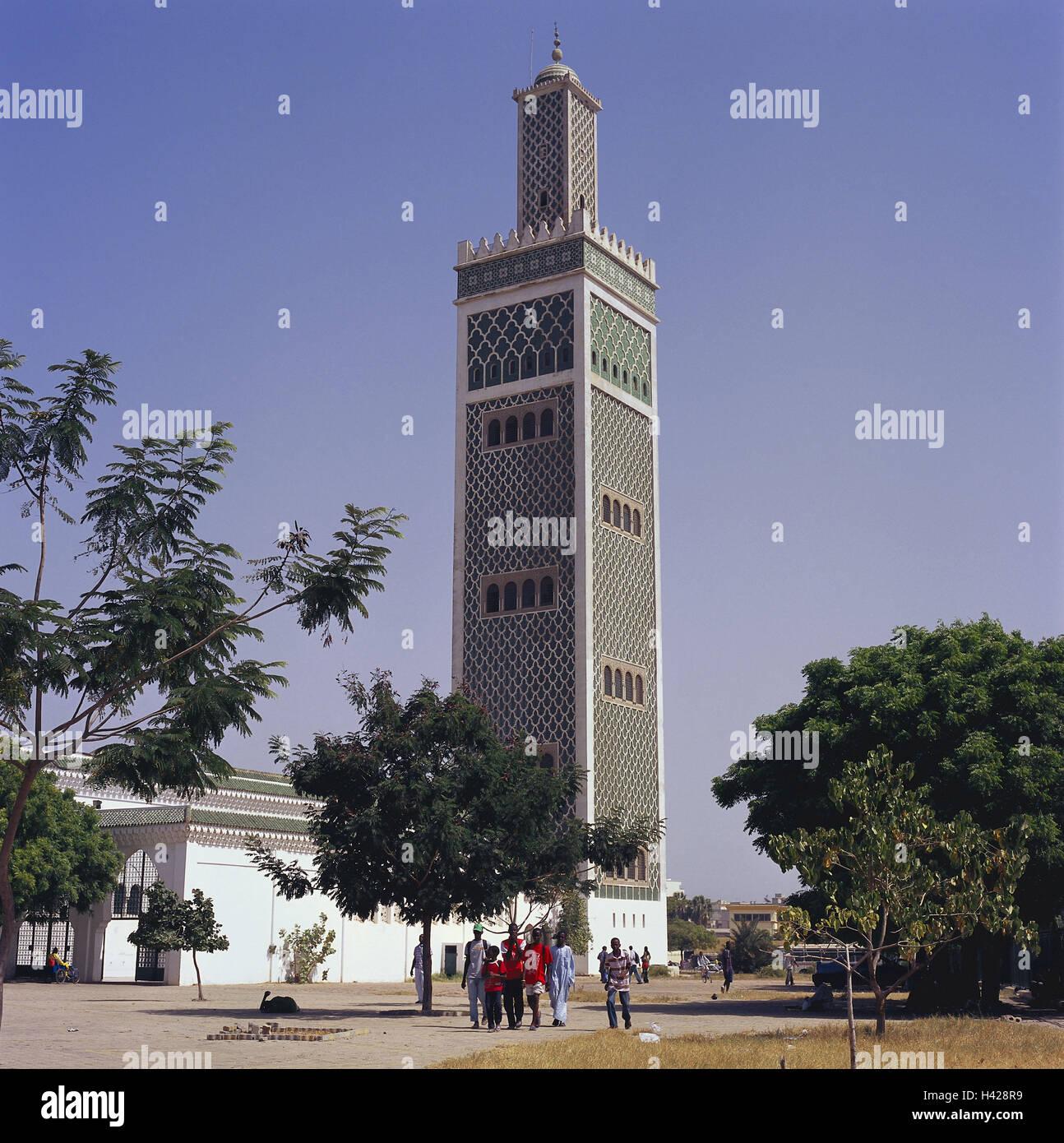senegal-dakar-big-mosque-passer-by-afric