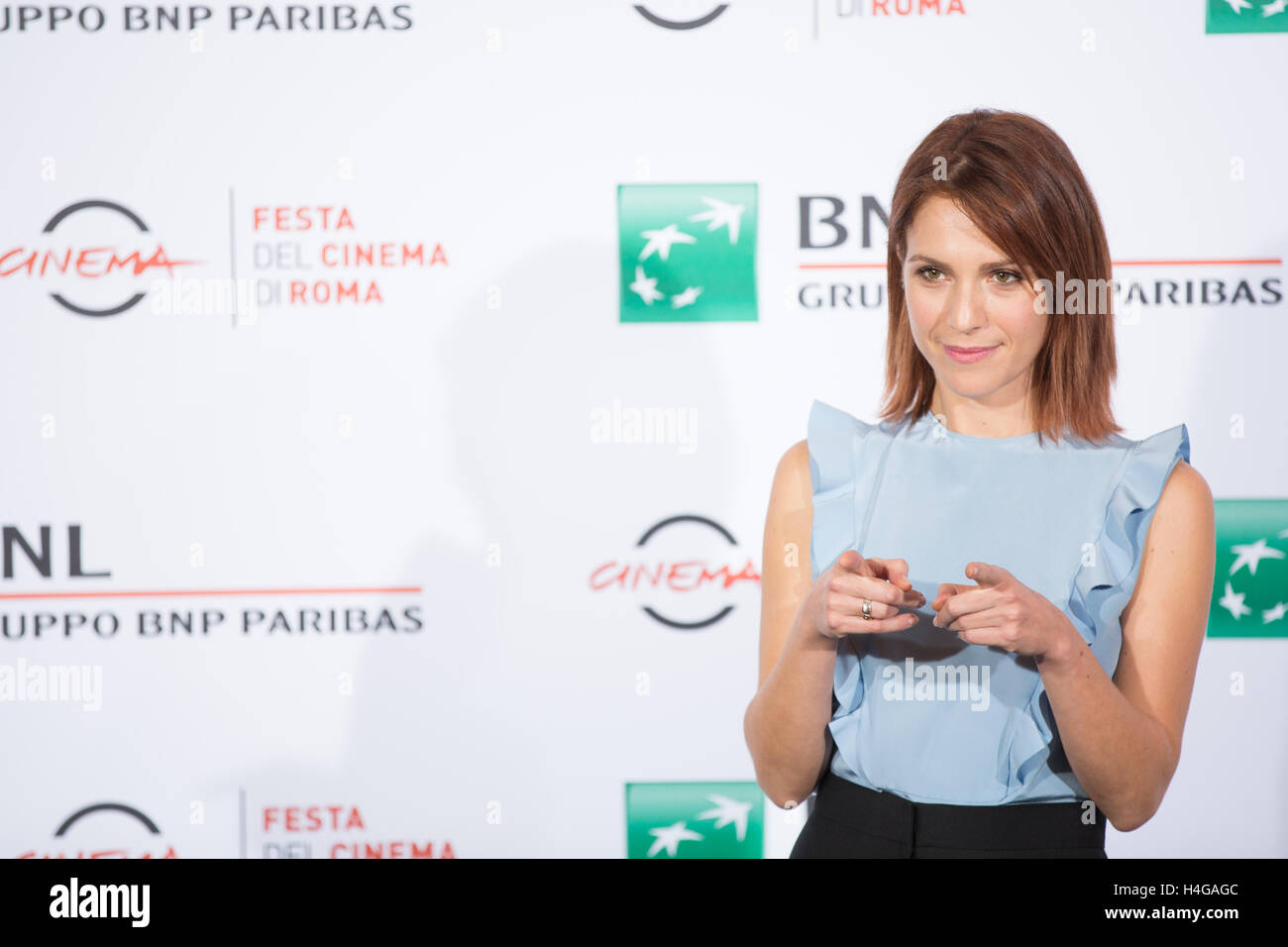 Rome, Italy. 15th October 2016. Isabella Ragonese at photocall Credit: Luigi de Pompeis/Alamy Live News - Stock Image