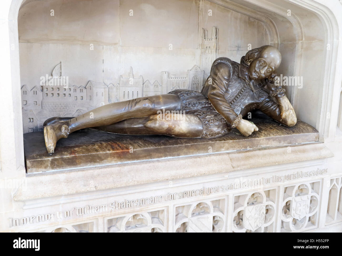 London,River,Thames,Play,plays,author,alabaster,holding,a,quill,reclining,famous,play,plays,playwright,religion,religious,sacred,dirty,city,centre,zone1,zone,one,1,William Shakespeare,William Shakespeare statue,Southwark Cathedral,city centre,GoTonySmith,@HotpixUK,Tony,Smith,UK,GB,Great,Britain,United,Kingdom,English,British,England,tourist,travel,tourists,tourism,bald,Buy Pictures of,Buy Images Of,Images of,Stock Images,Tony Smith,United Kingdom,Great Britain,British Isles