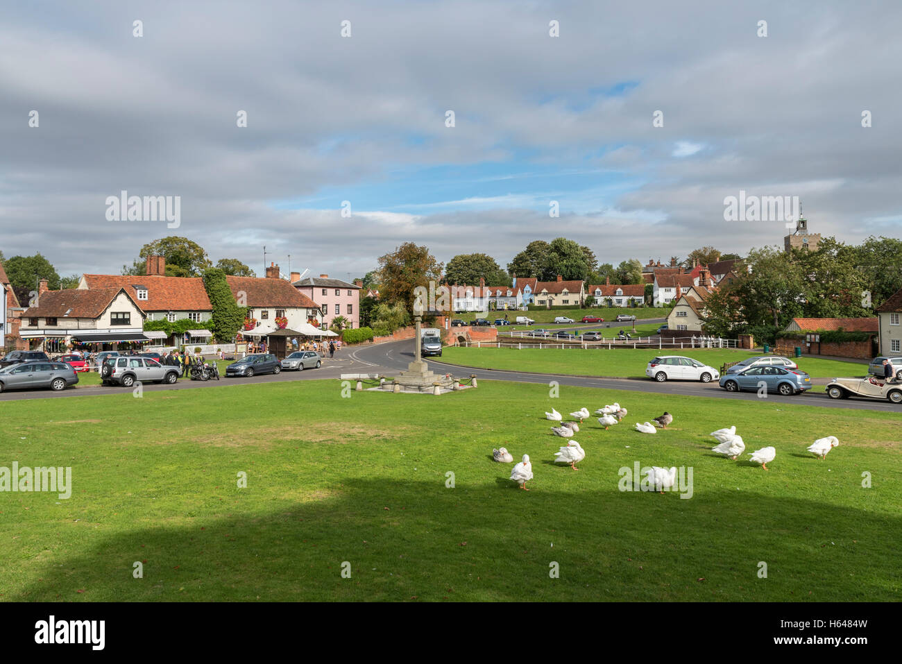 picture-postcard-english-village-view-across-the-green-finchingfield-H6484W.jpg