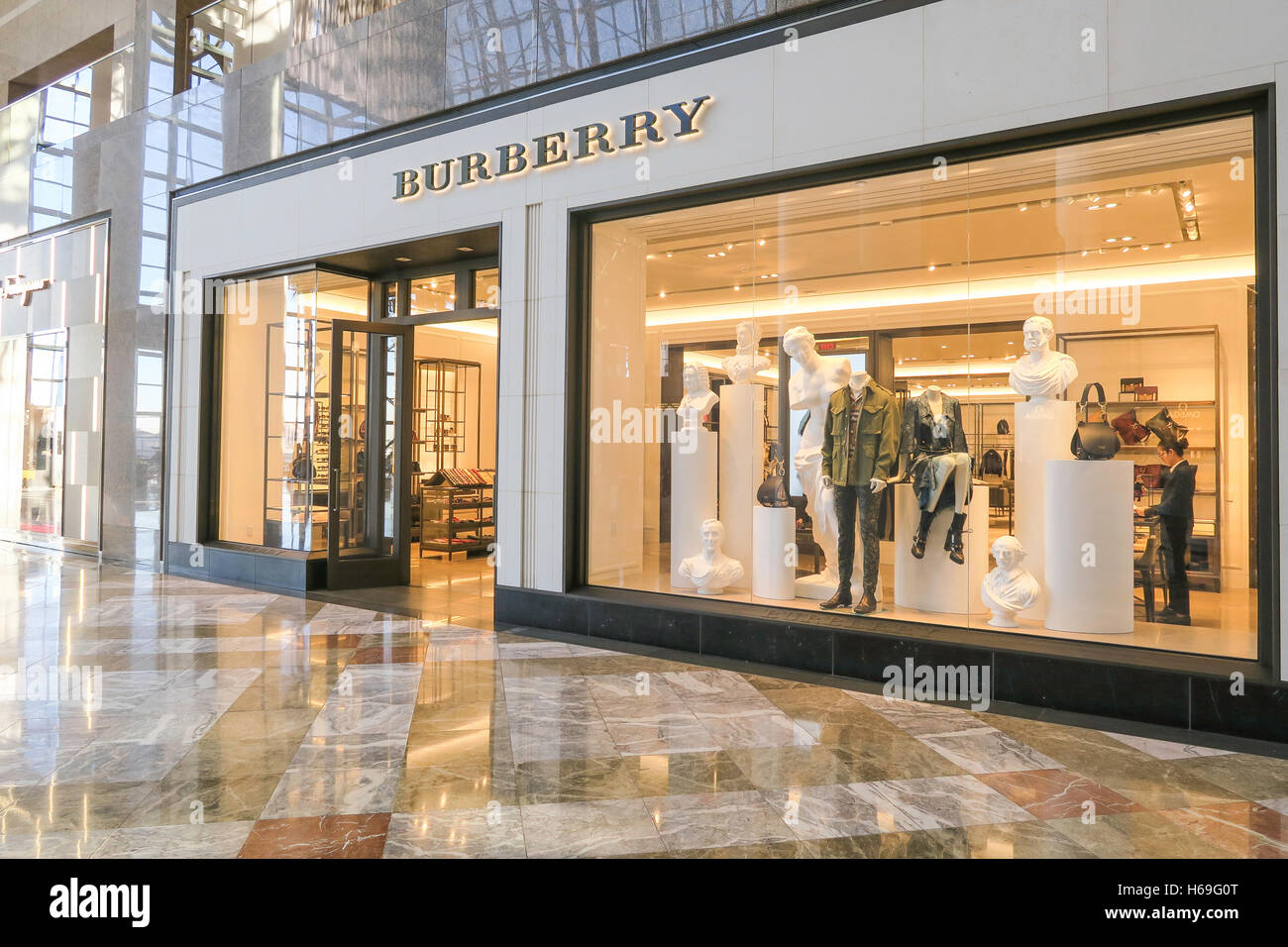 Burberry Store, Brookfield Place in Battery Park City, NYC, USA ... 581ba77d1f