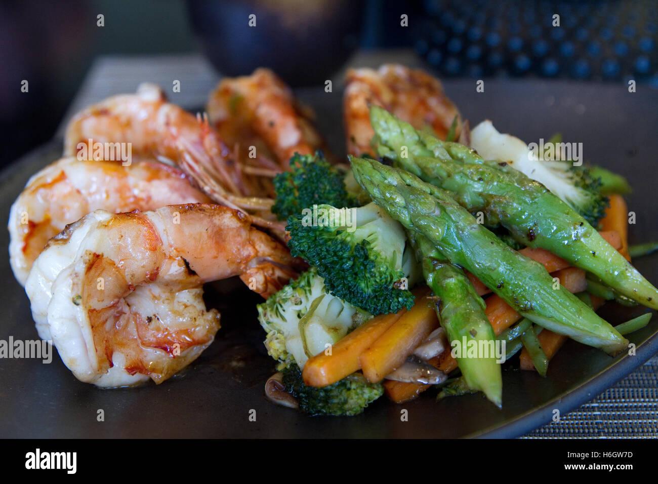Japanese seafood and vegetable teppanyaki Stock Photo