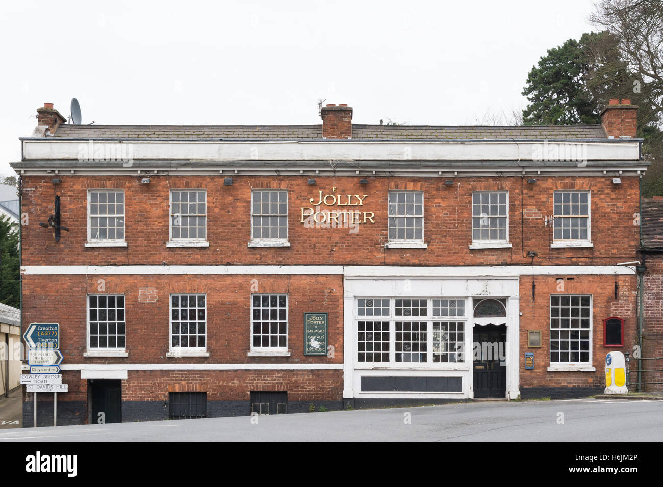 The Jolly Porter public house standing empty - Exeter, DEvon, England, UK - Stock Image