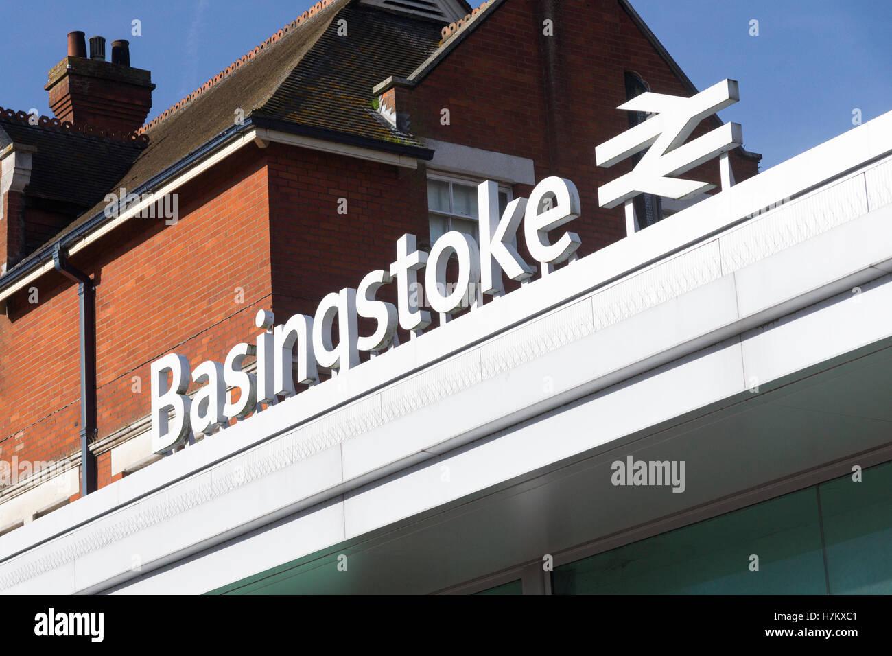 basingstoke-railway-station-hampshire-H7