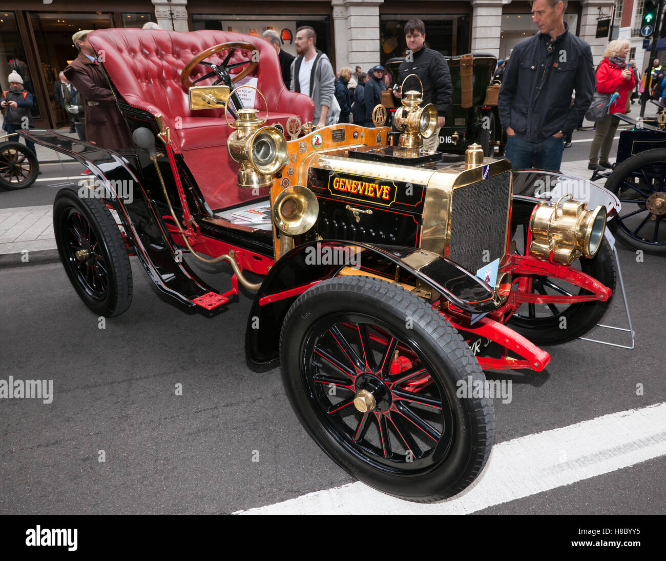image-of-genevieve-a-1904-darracq-famous-for-staring-in-the-british-H8BYY5.jpg