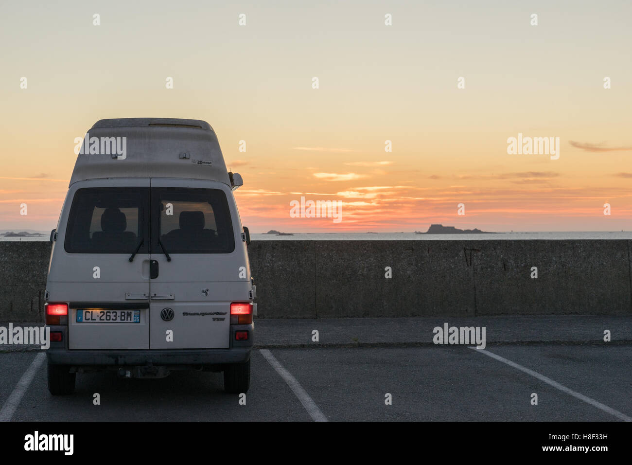 vintage camper van stock photos vintage camper van stock images alamy. Black Bedroom Furniture Sets. Home Design Ideas