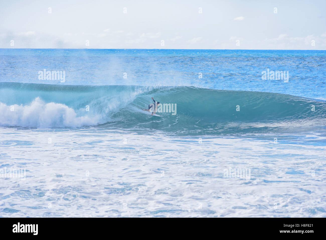 7beeaaf07e Surfer
