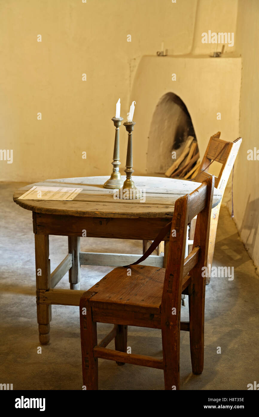 Table And Chairs Living Room
