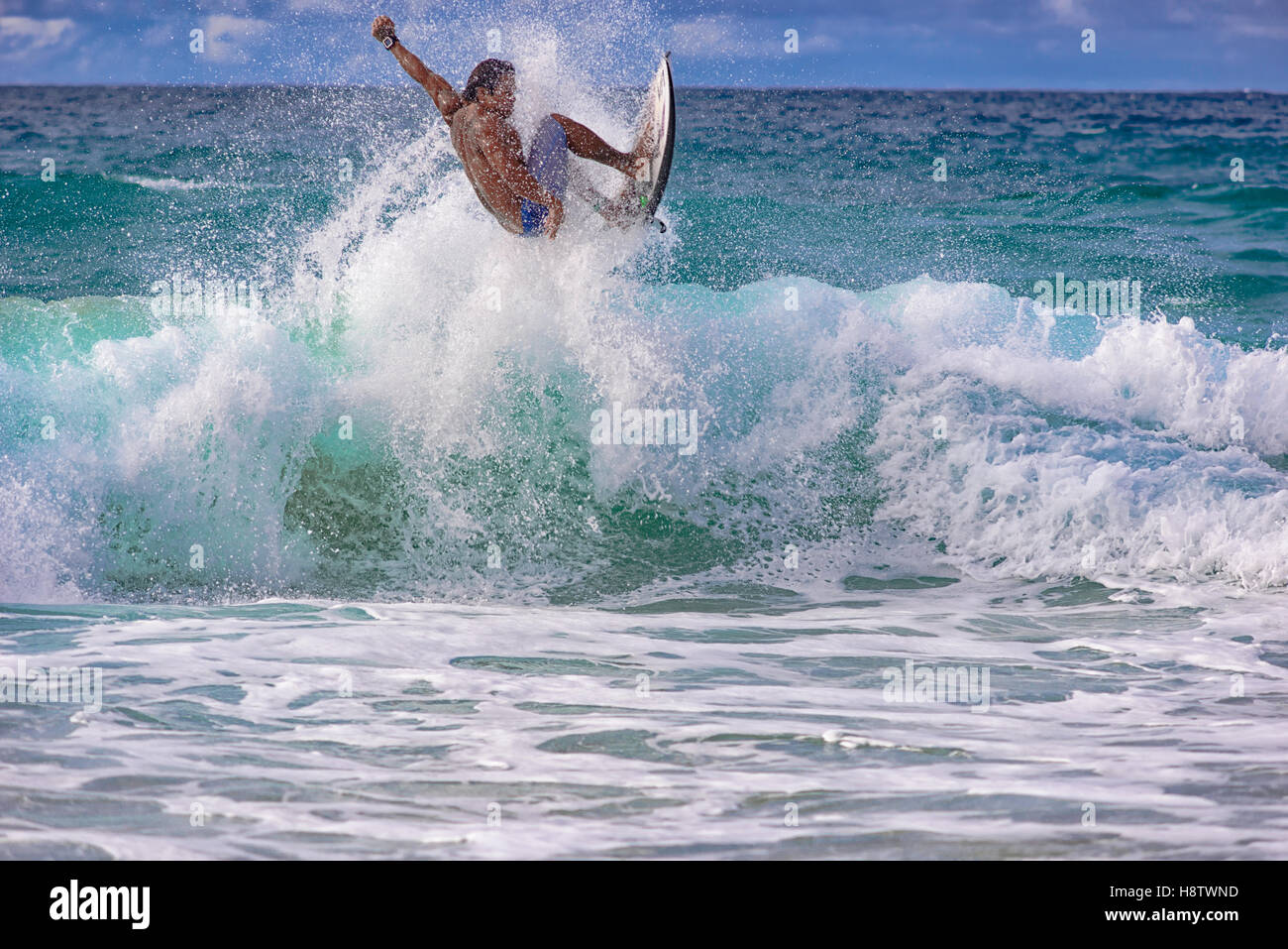 4e0309634bb1a1 Surfer at Banzai Pipeline