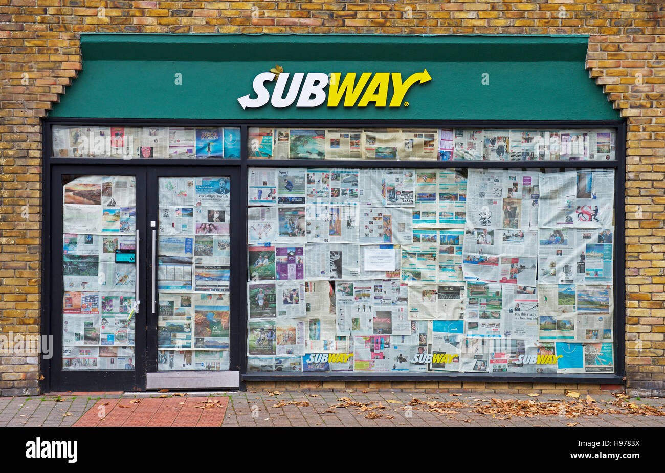 branch-of-subway-sandwich-take-away-now-closed-england-uk-H9783X.jpg