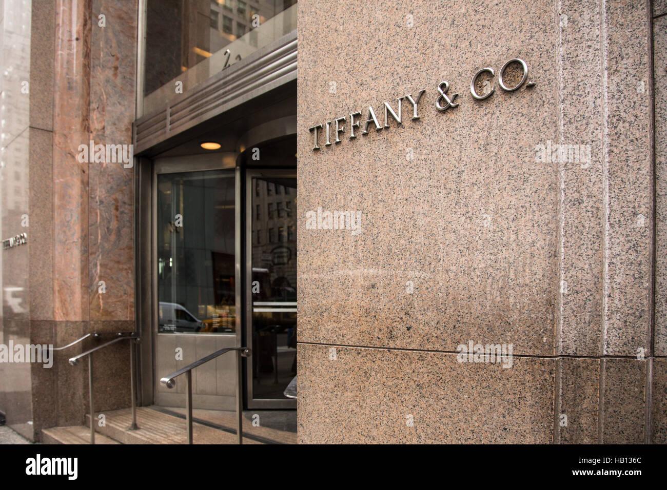 982ba1dbd0 Exterior view of Tiffany   Co in midtown Manhattan New York City ...
