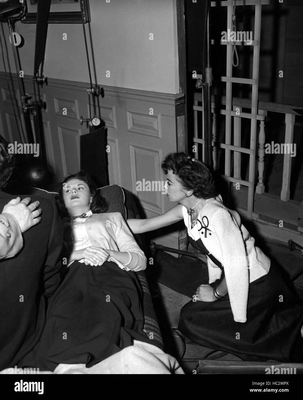 OUTRAGE, Mala Powers, director Ida Lupino on set, 1950 Stock Photo